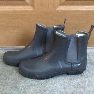 Gray Sperry rain boots